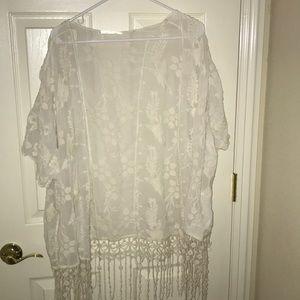 Lace flowy kimono